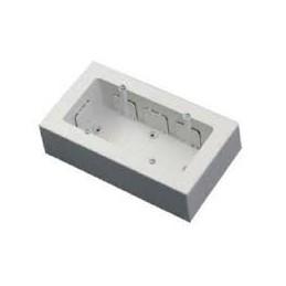 Caja universal superficie para 2 mecanismos anchos o 4 estrechos